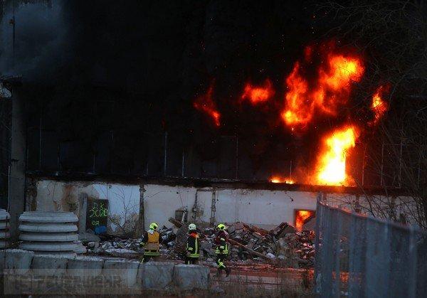 Brand groß vom 18.02.2018  |  (C) Feuerwehr (2018)